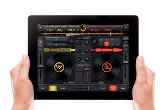 CrossDJ, MixVibes, iPad DJ App